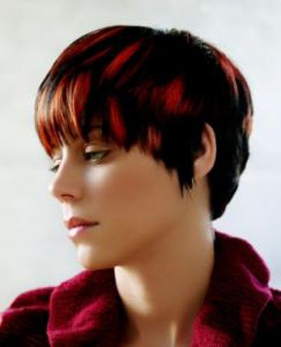 Black & Red Hair - Korte Kapsels