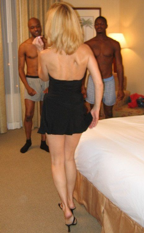 Cuckoldress wife prepares for date with stud 7