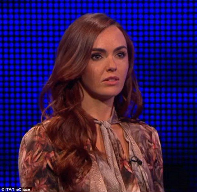 Hollyoaks' Jennifer Metcalfe is blasted as 'dumb' by The Chase viewers Check more at http://skatermom.com/2016/05/16/hollyoaks-jennifer-metcalfe-is-blasted-as-dumb-by-the-chase-viewers/