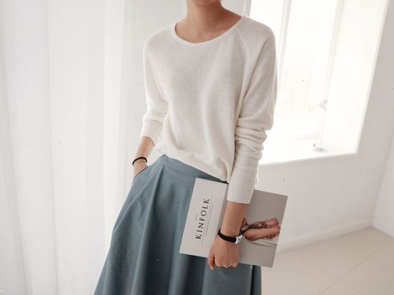 Obsessed with white knits at the moment - sweaters, jumpers, anything