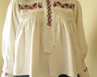 Antique  Romanian peasant blouse  / shirt from Transylvania - size XS - S