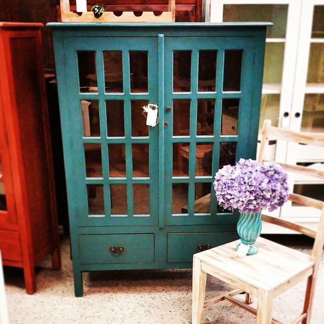 Stores: Nadeau   Furniture With A Soul