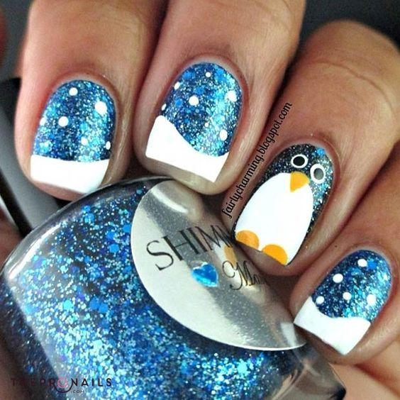 Look! Cute little penguins on my nails  #penguins #nails #winter #xmas #manicure