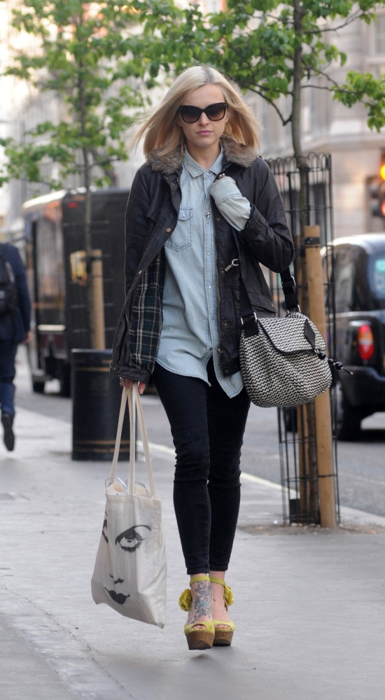 Fearne Cotton in London #sunglasses #style