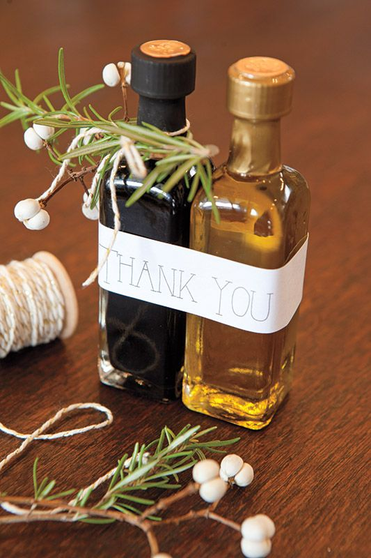 olive oil and balsamic vinegar favor tags that are super cute
