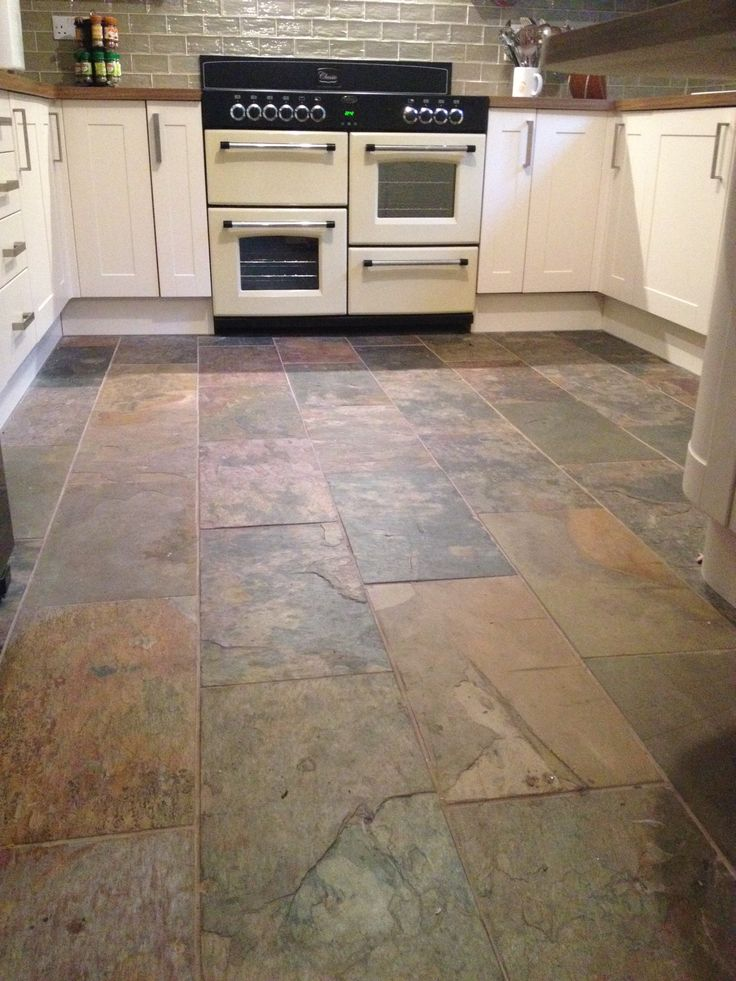 Our Sheera Natural Stone Tiles Look Wonderful In This Kitchen Design The Autumnal Colour Looks Fantastic With The Cream Doors And Oak Worktops Selected By