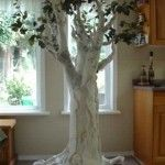 paper mache tree instructions - I'm not going to make a creepy Halloween tree... but this is good for instructions.