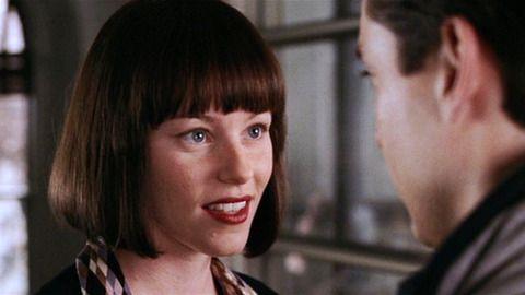 Elizabeth Banks wearing julie hewett Sin Noir lipstick in Spiderman 2