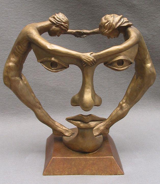 Artista cria esculturas surreais em bronze usando figuras humanas  MichaelAlfano1