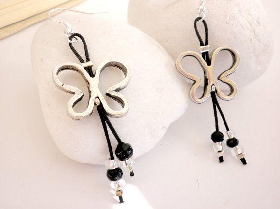Dangle black butterflies earrings  Black beaded by dadahandmade, €10.00