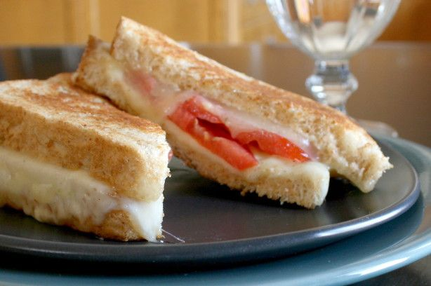 I started liking grilled cheese And tomato sandwiches years ago at a little restaurant near my office. I would go about three times a week to order a grilled provolone cheese And tomato sandwich. Today I wanted something different, something a little spicier, so I made up the following recipe. I thought it was delicious! Hope you try it and enjoy it!