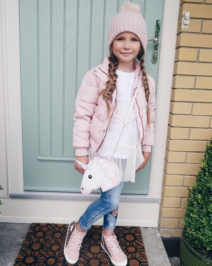 "Gefällt 54.8 Tsd. Mal, 238 Kommentare - Primark (@primark) auf Instagram: ""Let your fashionistas in the making mix and match their back to school outfits! 📚 Prices from…"""