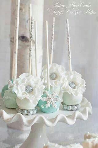 Winter wonderland cake pops by Evie and Mallow  Styled by Paper Candee