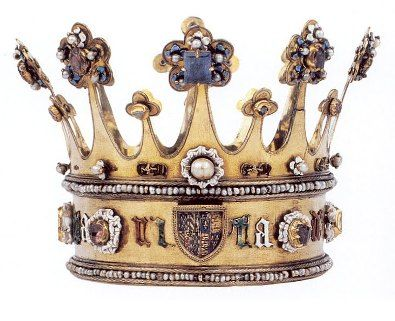 The medieval Crown of Margaret of York made circa 1300AD...amazing!!