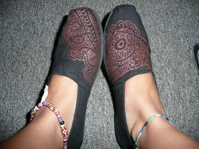 Henna TOMS by krisannchristian, via Flickr
