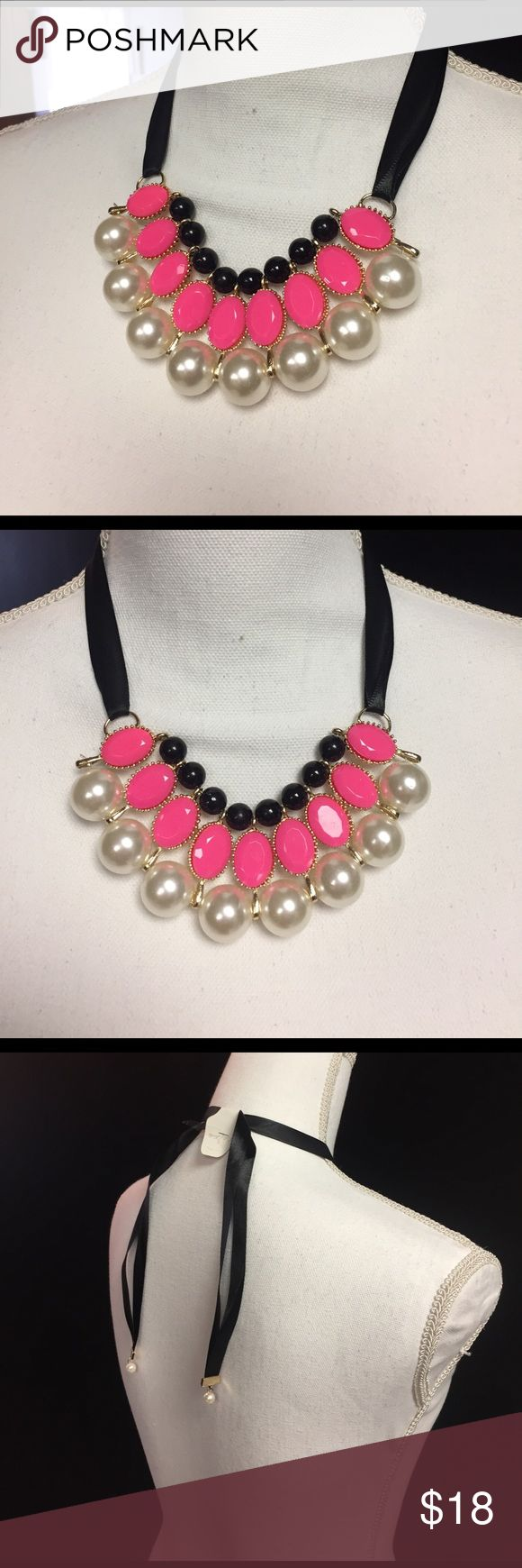 Large chunky pearl necklace chocker adjustable new Large chunky pearl hot pink necklace chocker adjustable new beautiful piece Jewelry Necklaces
