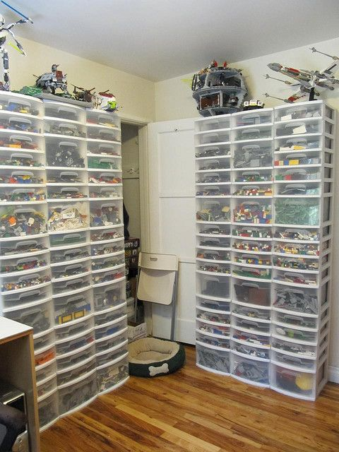 Serious Lego storage and room by #boltofblue
