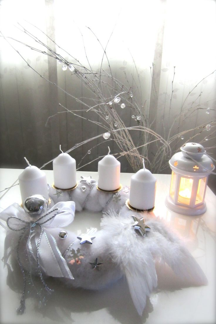 White advent wreath by N.Gorišek