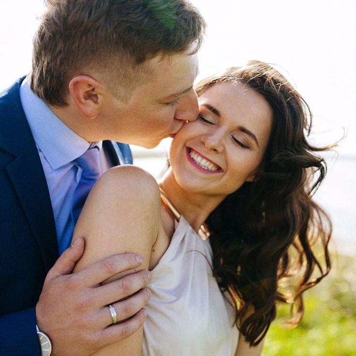 пора напомнить что я снимаю не только семейные съемки но и свадебные! При этом я очень люблю маленькие свадьбы как было у Даши с Димой! И на минуточку я знаю Дашу уже года 24 если не больше  Так вот снимаю свадьбы и бронирую свадебные съемки на лето  #katherinego #katherinegocom #katherinegophoto