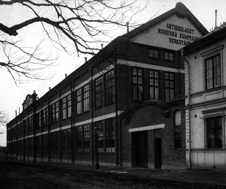 Denna fabriksbyggnad från 1904 uppfördes för Nordiska Kompaniets verkstäder i Nyköping.