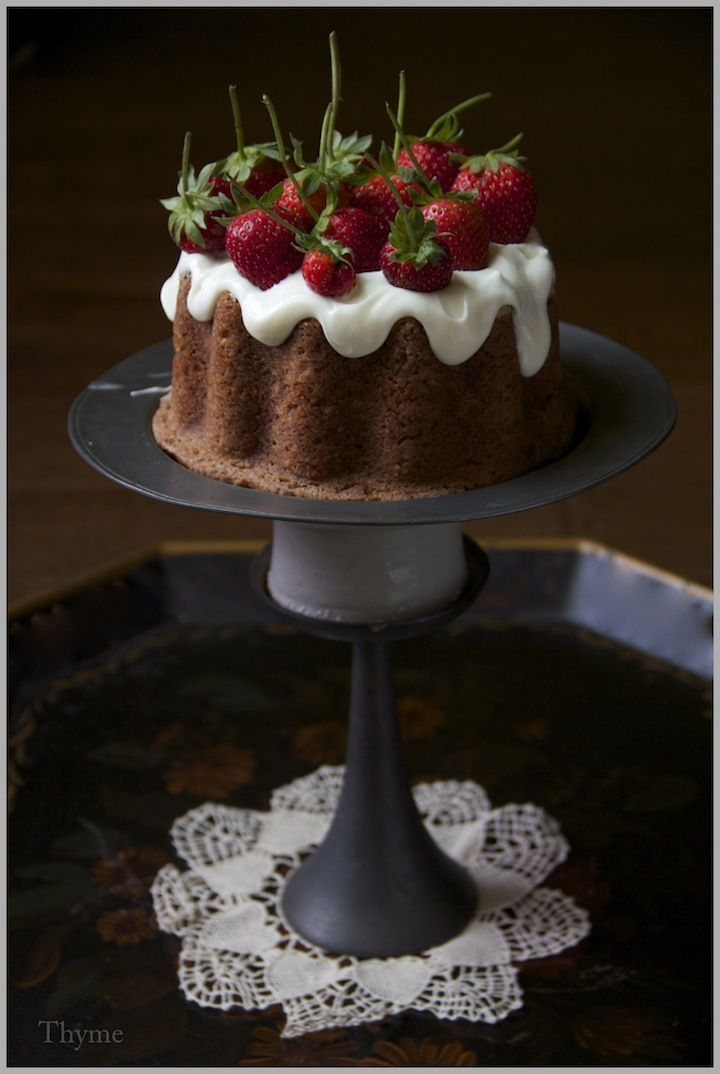 Simple Cinnamon Applesauce Spice Cake with Fresh Strawberries...plus Oodles of Goodbye Tears!