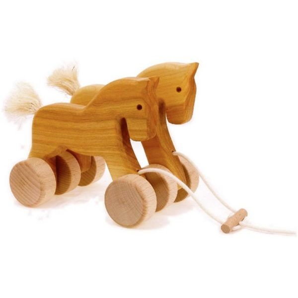 Τροχήλατο παιχνίδι με ξύλινα αλογάκια, κατασκευασμένο απο φυσικό μασίφ ξύλο. Κατάλληλο από 18 μηνών.