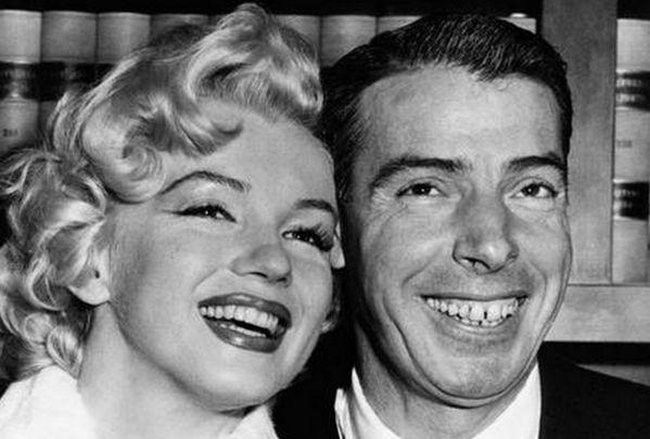Ровно 62 года назад в San Francisco City Hall отгремела свадьба Мэрилин Монро и известного бейсболиста Джо Ди Маджо.  #история #США #Америка #МэрилинМонро