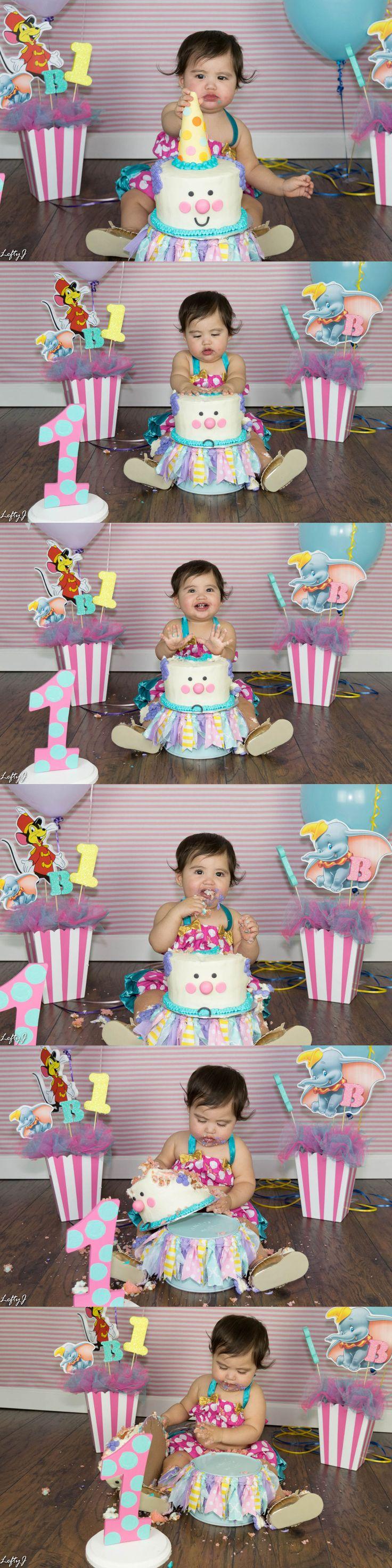 Baby's 1st birthday smash cake by Lefty J Photography in Corpus Christi, TX. #smashcake #baby #babysfirstbirthday #oneyearold #babysmashcake #corpuschristi #corpuschristiphotography #corpuschristiphotographer