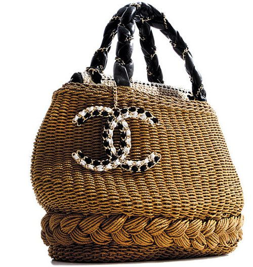 Chanel Spring 2010 - This handbag would go everywhere with me!! What a great summer tote bag!