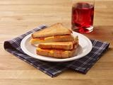 Pepperoni Grilled cheese   YUM just need a pizza sauce dip