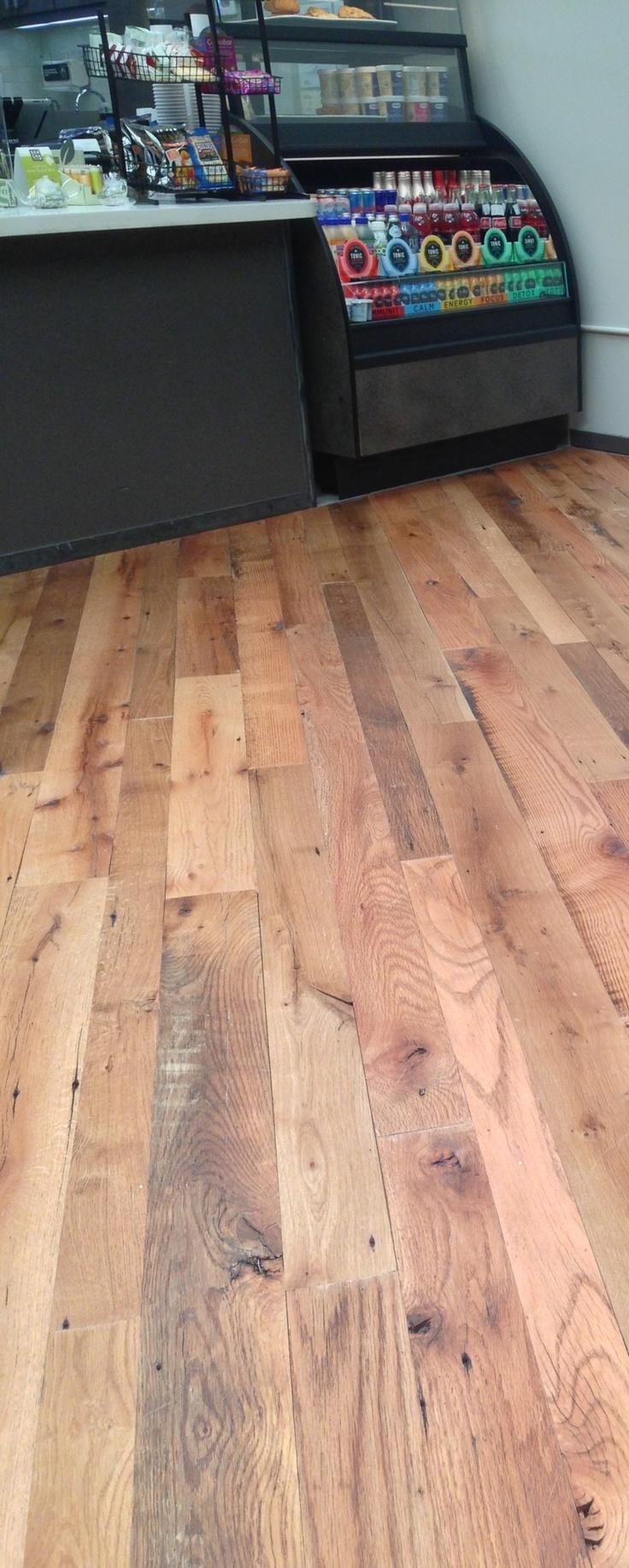 Reclaimed wood flooring antique select tobacco barn oak for Tobacco pine flooring