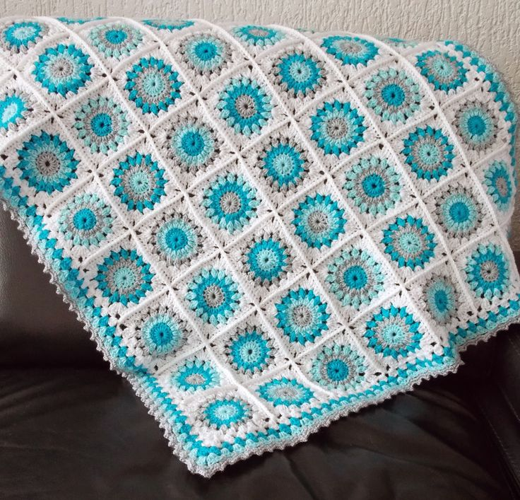 Mint and white baby blanket. With link to pattern