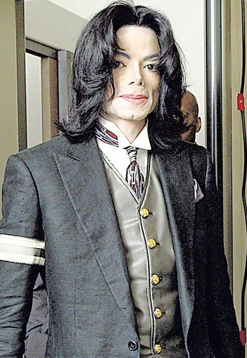 an examination of michael jackson and his performance Wade robson, a witness for the defense in the 2005 trial of michael jackson,   a performance analysis of michael jackson as an embodiment of post-identity.