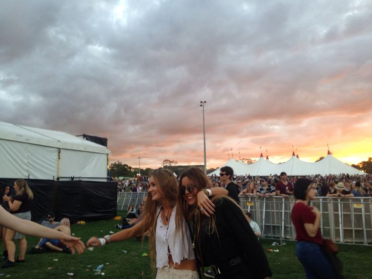 Two best pals at Groovin The Moo 2015