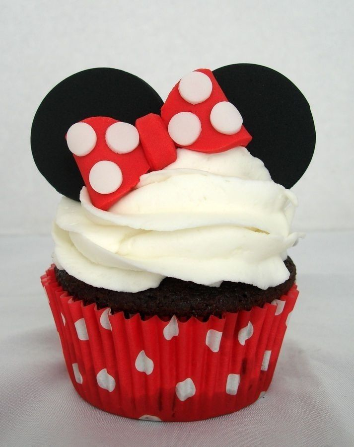 Beautiful Simple Minnie Cupcakes - Disney Party Decor Ideas