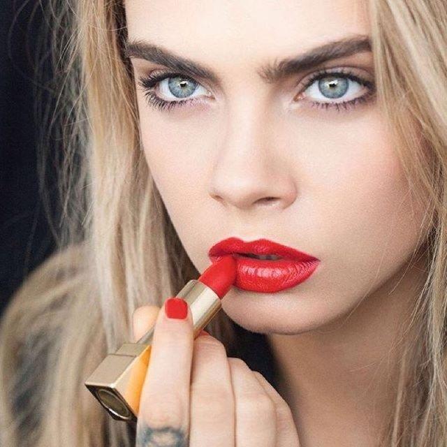 Quali sono i rossetti rossi più venduti di sempre? Ecco 11 rossetti sia economici sia di lusso che hanno conquistato le consumatrici!