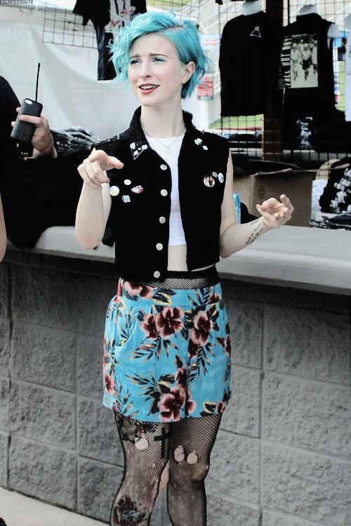 I absolutely love Hayley's style. It's got that hard punk look and it's also got an artsy crazy look I love
