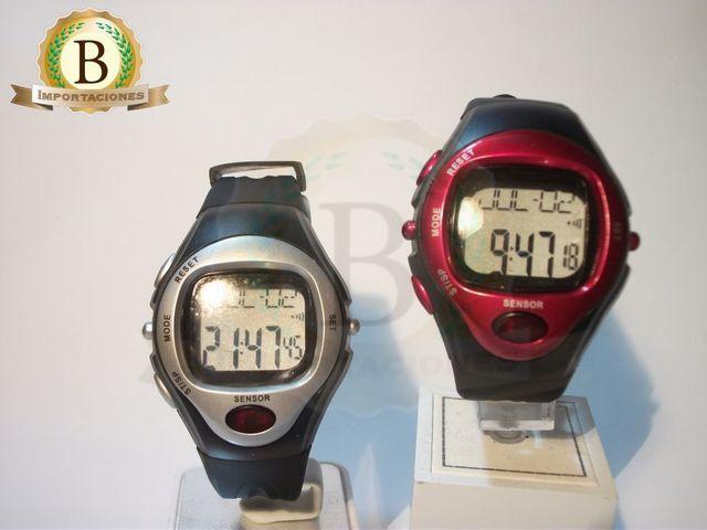Nuevo Reloj Digital multifuncional para cubrir múltiples necesidades. Además poder utilizarse como un reloj normal, también está diseñado con funciones de medición de pulso y contador de calorías quemadas mientras se hace ejercicio. Es útil para ayudar a mantenerse en forma.