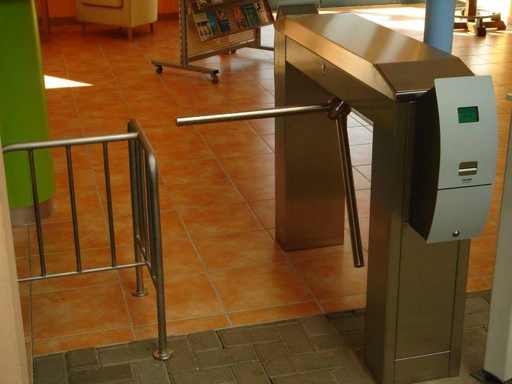 Тумбовые турникеты Gotschlich серии Modul http://vk.com/gotschlichrus #turnstiles #турникеты #трипод #готшлих #gotschlich #box #tripod #turnstile #gate