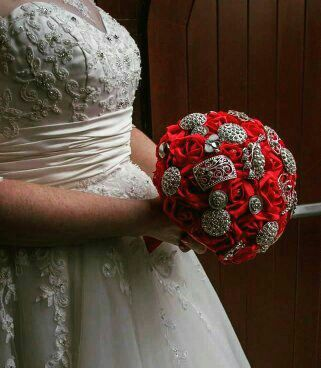 Mrs currie!! I loved this bouquet, all red roses and bling!