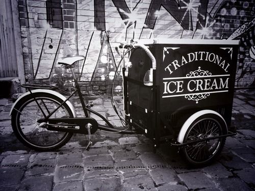 The cart has arrived (& yes mum called wanting her seat back).  Now it needs a name.  Come up with a name & you win FREE ice cream for you & 5 of your friends as well as much social media glory.
