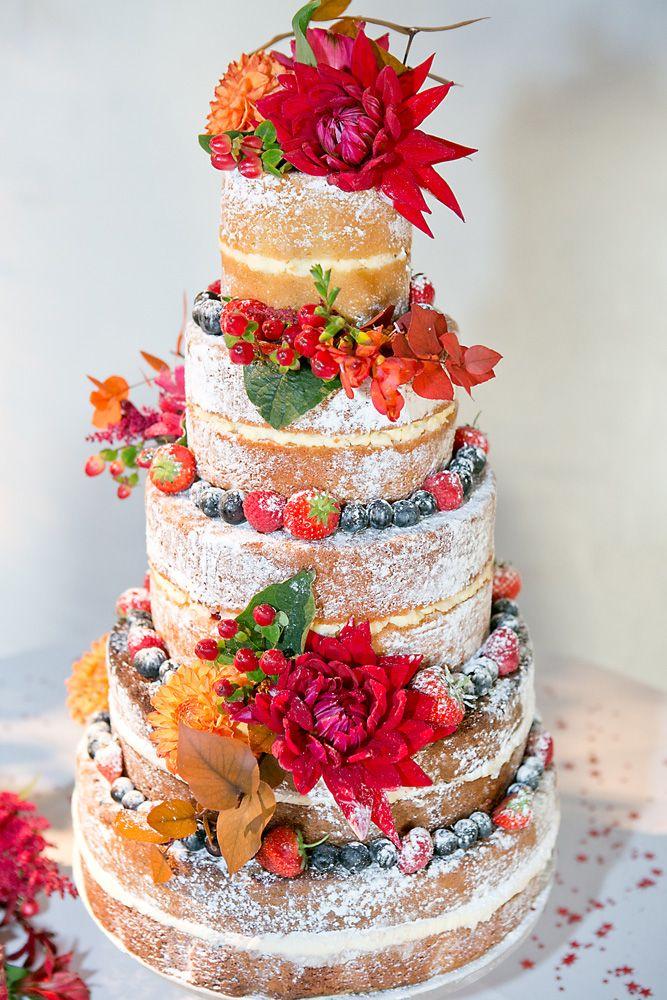 #hochzeitstorte #nbakedcake Herbstliche Stadthochzeit in Rot und Orange in London | Hochzeitsblog - The Little Wedding Corner