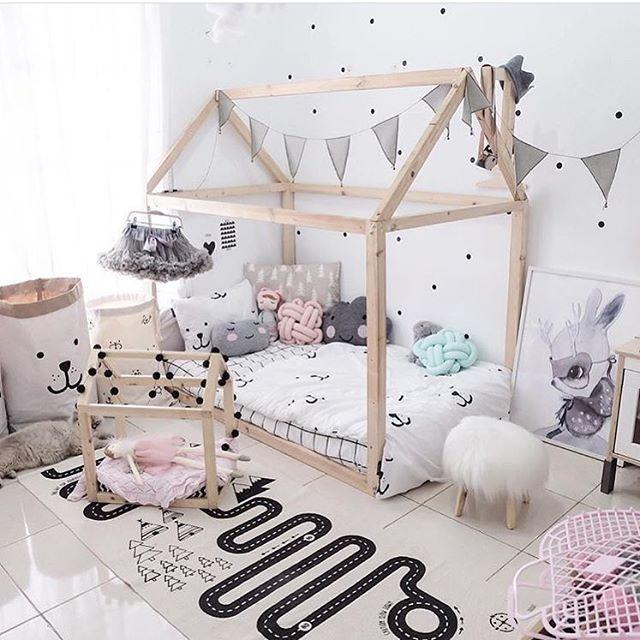 "Polubienia: 124, komentarze: 4 – K I D S  R O O M  D E C O R (@miss_angel_ilaria) na Instagramie: ""Friday night favourite! Gorgeous kids room by @blogsachi """