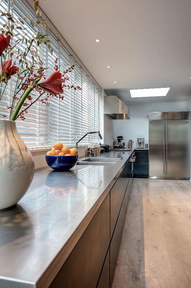 Keukenblad van roestvrij staal 4mm via Dekker Zevenhuizen