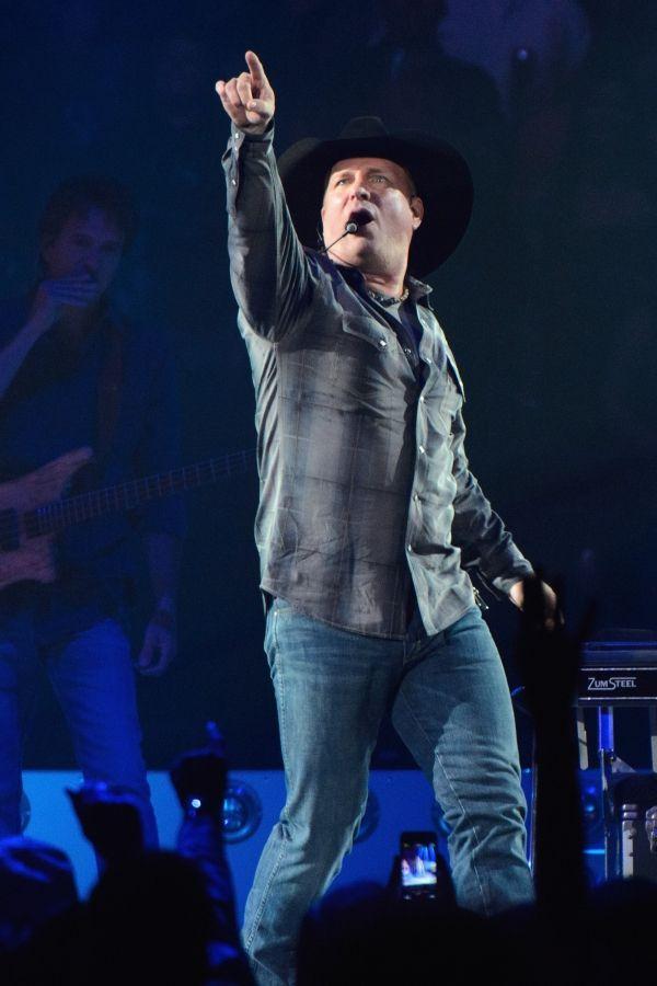 Garth Brooks-Hands down, best show ever.