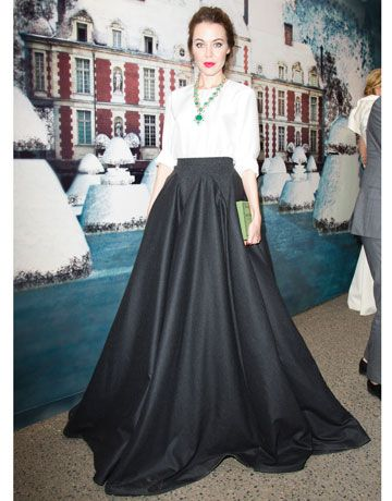 Look at that intense skirt! It's like a ball gown but just a skirt - ball skirt? Reminds me of something Carolina Herrera would wear. Timeless.