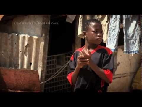 web série diambars (l'institut de foot) - introduction des gars / bande annonce - tirée du documentaire « les guerriers du football africain » produit par bruno sevaistre et réalisé par jean-thomas ceccaldi | la famille & la communauté, l'enfance & l'adolescence, le sport
