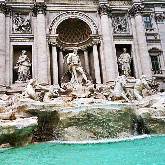 Fontana di Trevi.  Όλοι οι δρόμοι οδηγούν στη Ρώμη. Η Εμπειρία μου από το ταξίδι.