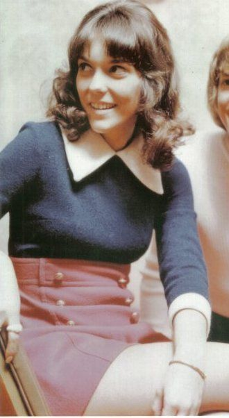 Karen Carpenter. Gone way too soon. Love their music to this day!