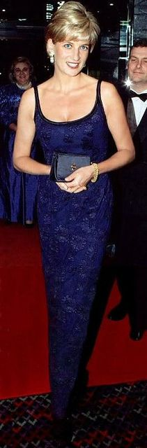 Princess Diana attended the film premiere of 'In Love and War' in February 1997 Uploaded By www.1stand2ndtimearound.etsy.com